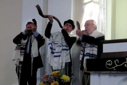 3 Shofar blowers